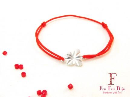Bratara-snur-rosu-pandantiv-fluture-placat-argint